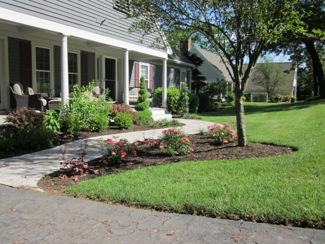 Beau An Eye Catching Front Yard Adds Considerable Curb Appeal To A Home. Itu0027s  Not Difficult To Notice The Differences Between A Landscaped Property And A  Bland ...